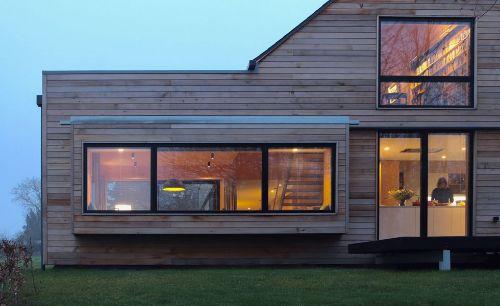 ساخت خانه با چوب ترمو